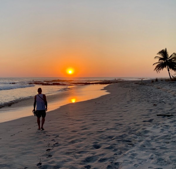 mizaru-miza-moments-follow-the-sun-sunset